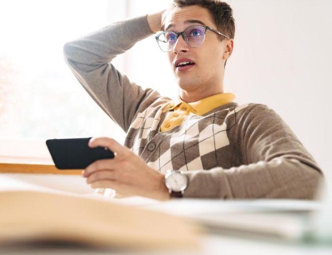Seks feil du bør unngå når du markedsfører voice over-tjenester i sosiale medier