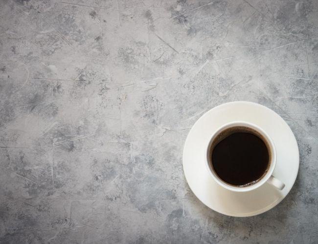 drikke kaffe med moderasjon norsk voice over norsk reklamestemme
